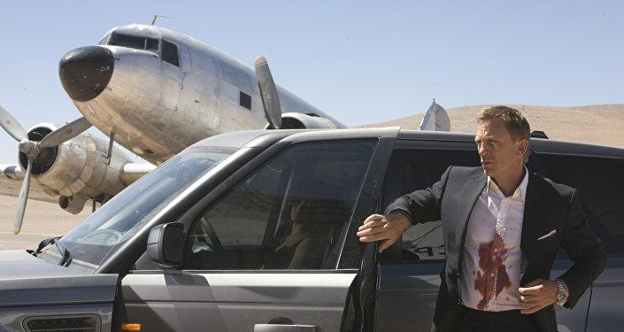 22-й фильм о легендарном секретном агенте Джеймсе Бонде Квант милосердия. Кадр из фильма