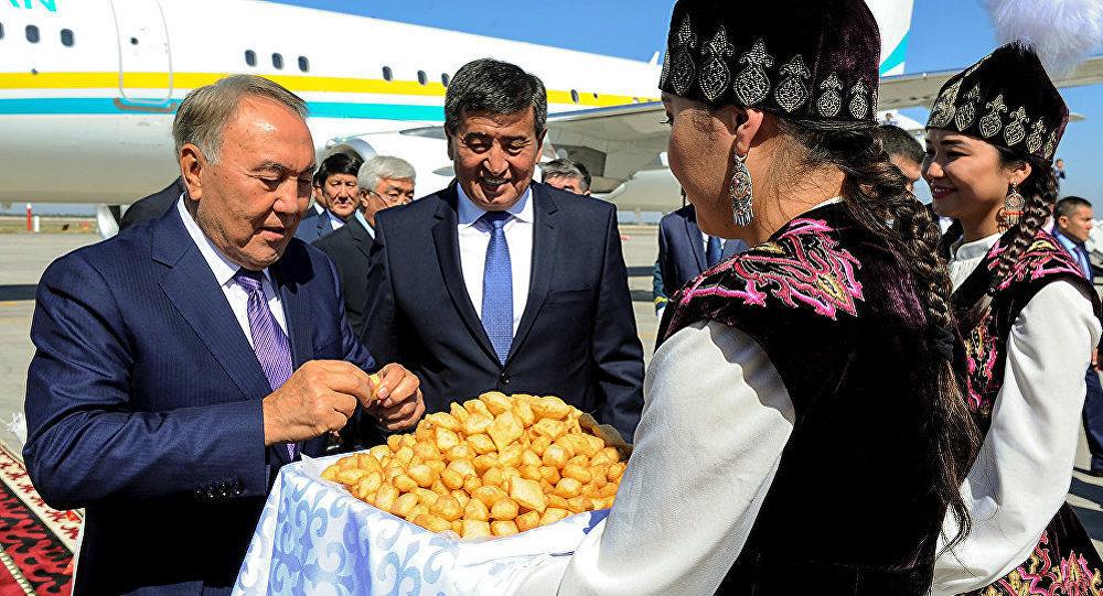 Қазақстан президенті Нұрсұлтан Назарбаев ТМД отырысына қатысу үшін Қырғызстанға келді