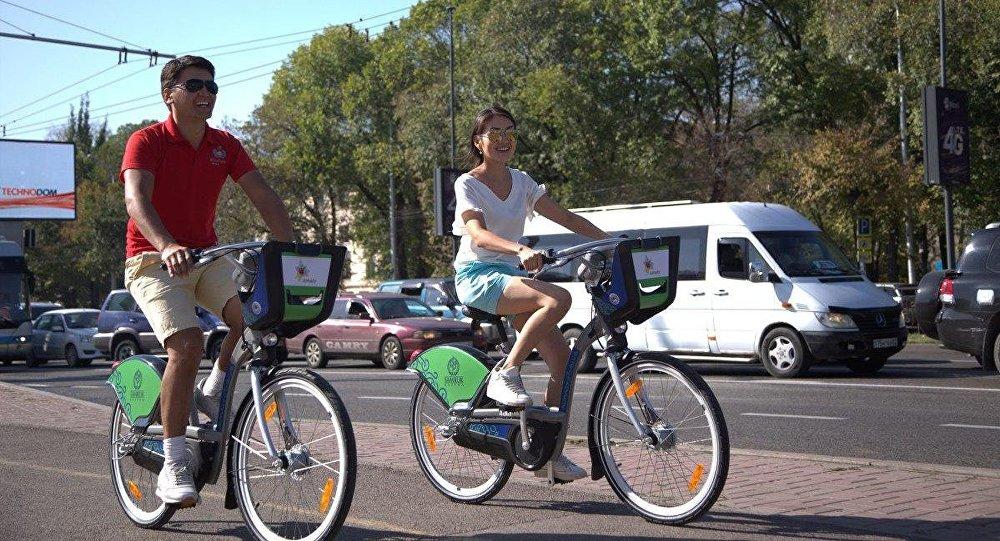 На велосипедах в городе