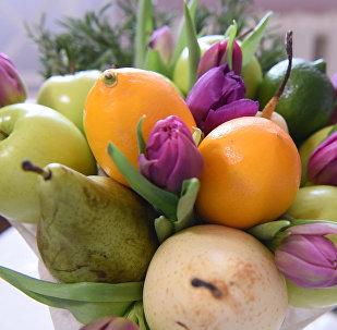 Вкусно и красиво: как сделать фруктовый букет своими руками