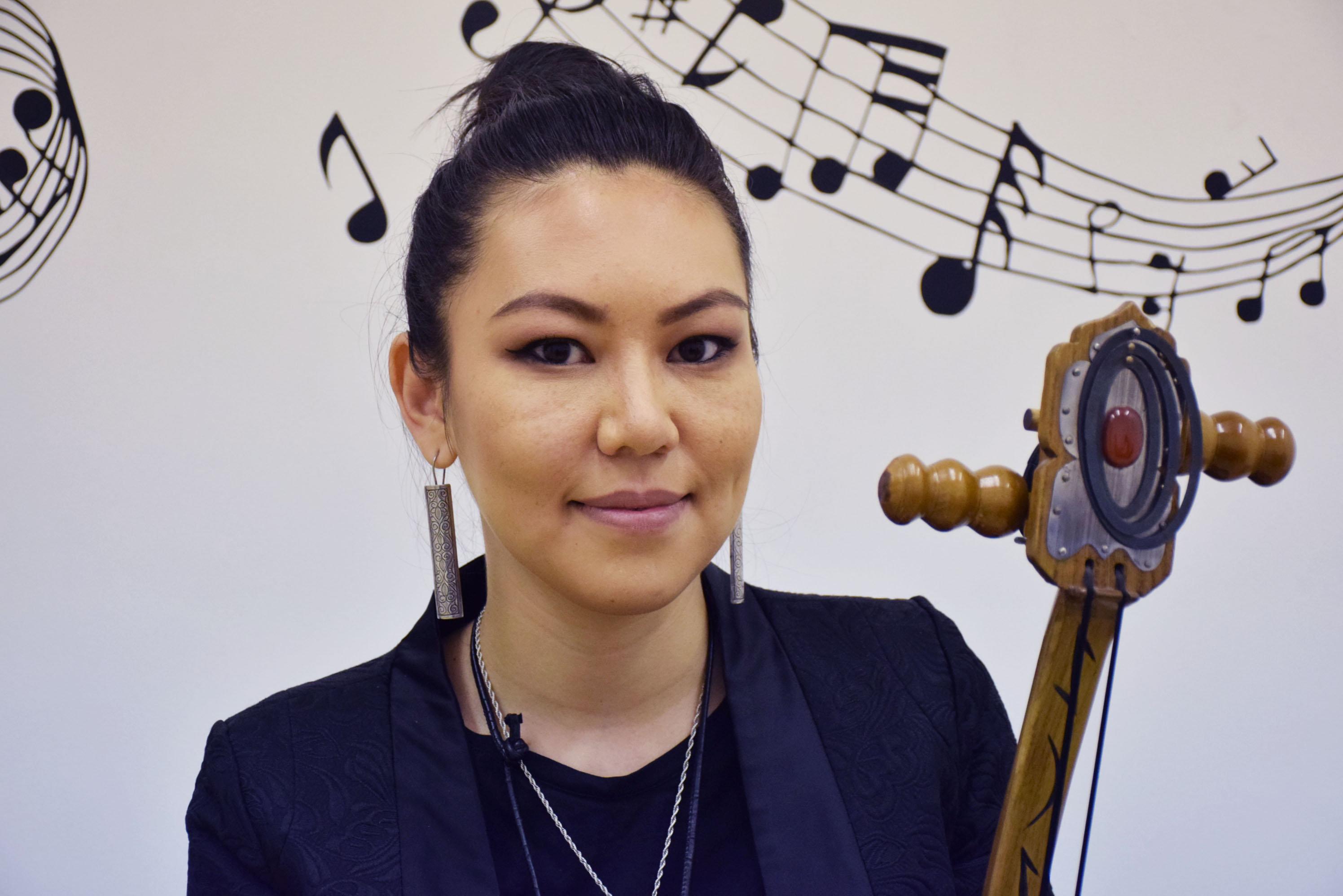 Солистка группы Arkaiym Анара Касымова