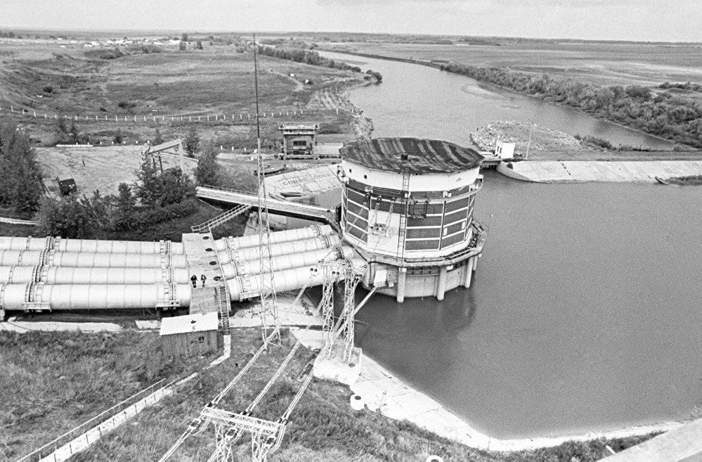 Головное сооружение канала Иртыш-Караганда