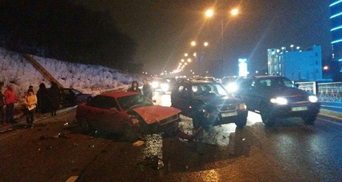 ДТП с участием девяти авто на восточной объездной дороге в Алматы
