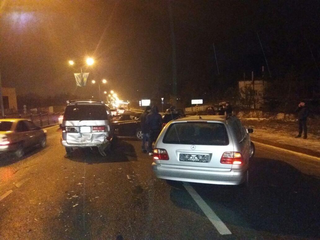 ДТП с участием четырех авто на восточной объездной дороге в Алматы