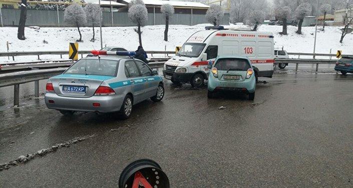 Машина скорой помощи столкнулась с DAEWOO Matiz