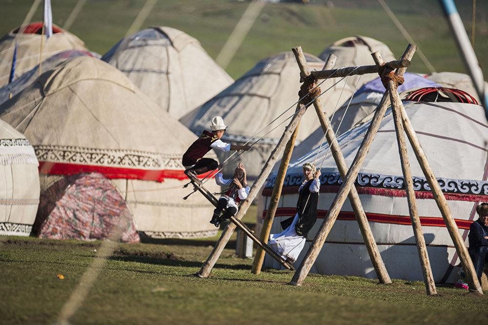 Юрточный городок в Кыргызстане