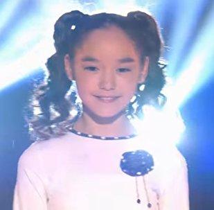 Рано Сабанкулова исполнила песню Губки бантиком на конкурсе Ты супер!