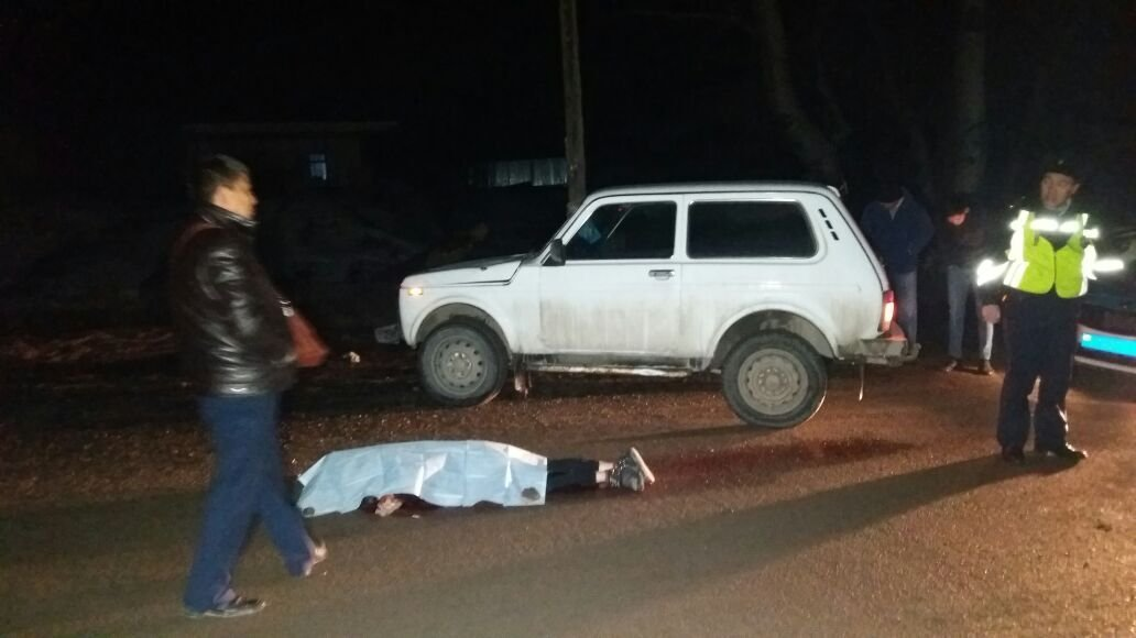 Нива сбила девушку в микрорайоне Карагайлы