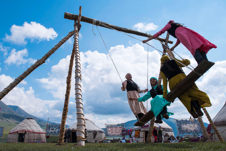 Архивное фото празднования Наурыза