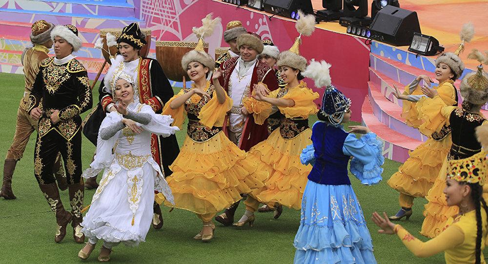 Празднование Наурыза в Алматы, архивное фото