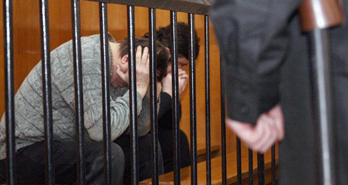 Оглашение приговора преступникам, фото из архива