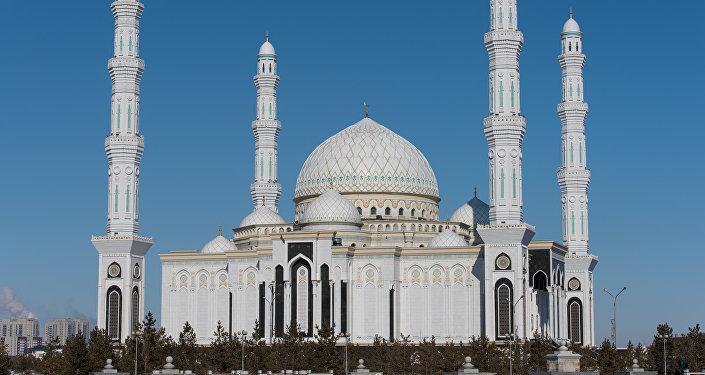 Әзірет Сұлтан мешітінің наиб имамы