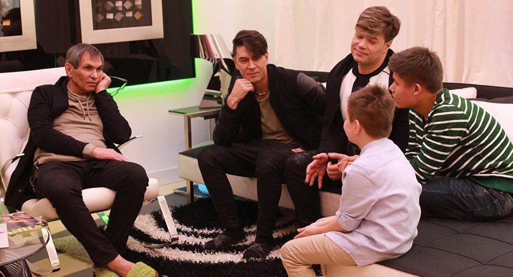 Влад Лоскутов и Рома Корнеев побывали в гостях у Бари Алибасова