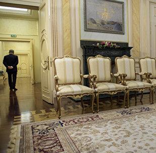 Интерьер и мебель в резиденции президента, фото из архива