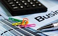 Бизнес, бумаги, калькулятор
