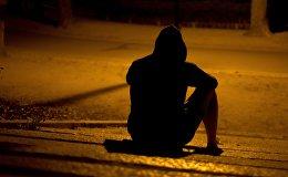 Одинокий человек ночью