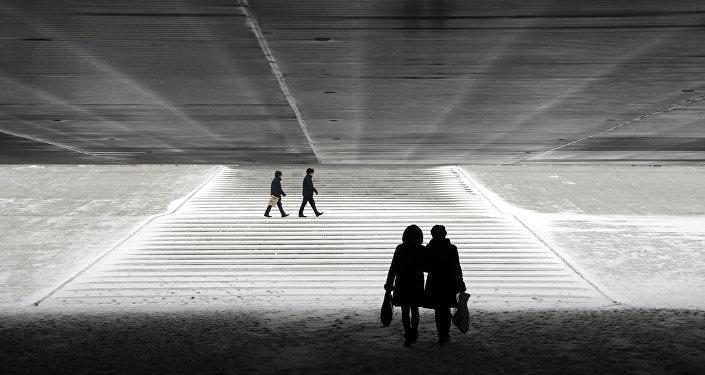 Подземный переход в Астане, архвиное фото
