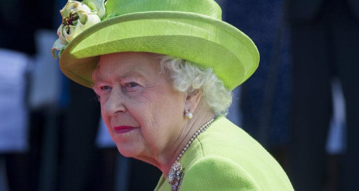 Архивное фото королевы Великобритании Елизаветы II