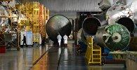 Сборка ракет-носителей в центре имени Хруничева, архивное фото
