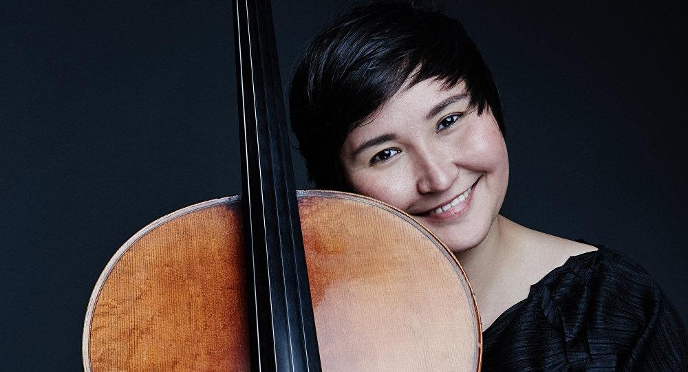 Санди Токанова