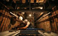 Лифт жабдығын жөндеу жұмыстары, архивтегі фото