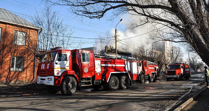 Тушение пожара в жилом доме в Петропавловске