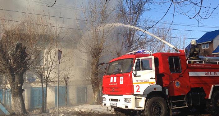 Сгорело все: огонь уничтожил жилой дом в Петропавловске