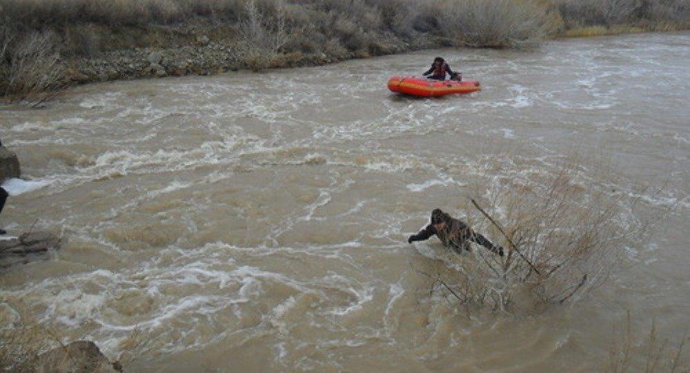 Чабан утонул в бурном речном потоке в Восточном Казахстане