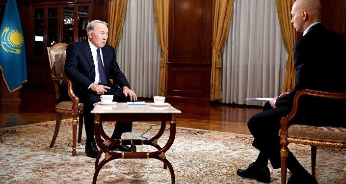 Нурсултан Назарбаев дал интервью межгосударственному телеканалу МИР