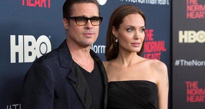 Анджелина Джоли и Брэд Питт. Архивное фото