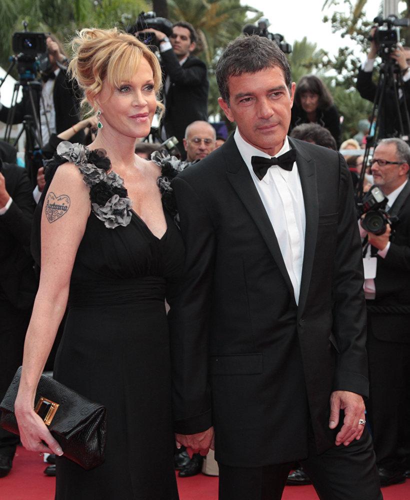 Испанский актер и режиссер Антонио Бандерас с супругной актрисой Мелани