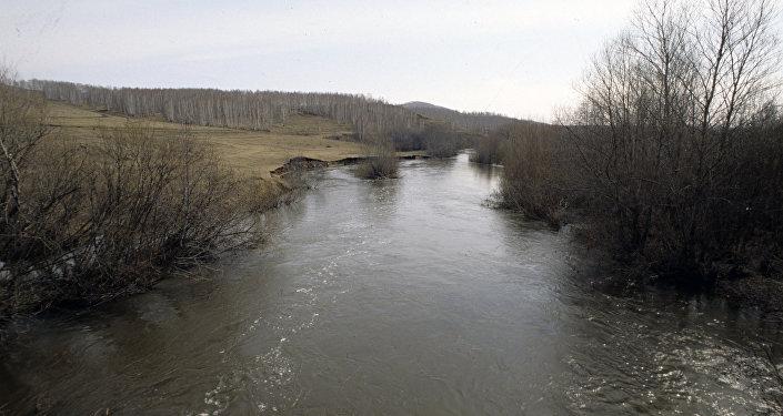 В верховье реки Урал, архивное фото