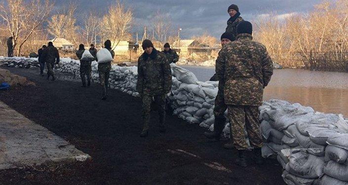 Борьба с паводком в Карагандинской области