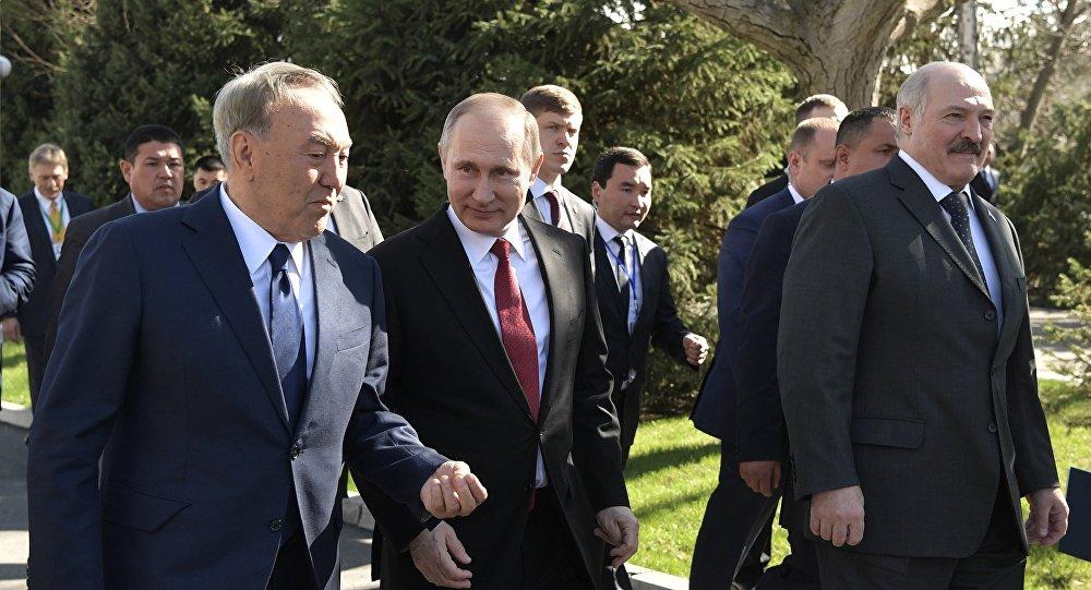 Главы стран ЕАЭС на саммите в  Бишкеке