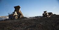 Архивное фото добычи руды