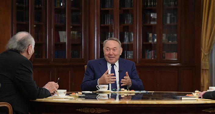 Қзақстан президенті Нұрсұлтан Назарбаевтың зиялы қауым өкілдіреімен кездесуі
