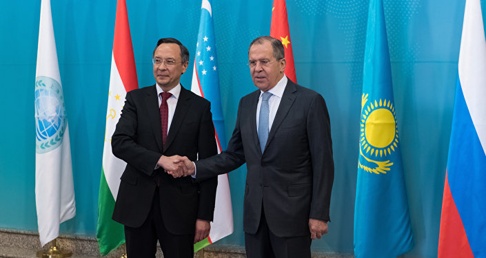 Глава МИД РК Кайрат Абдрахманов и Министр иностранных дел РФ Сергей Лавров