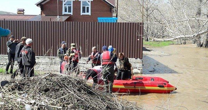 Эвакуация жителей с. Новая Ульба в ВКО