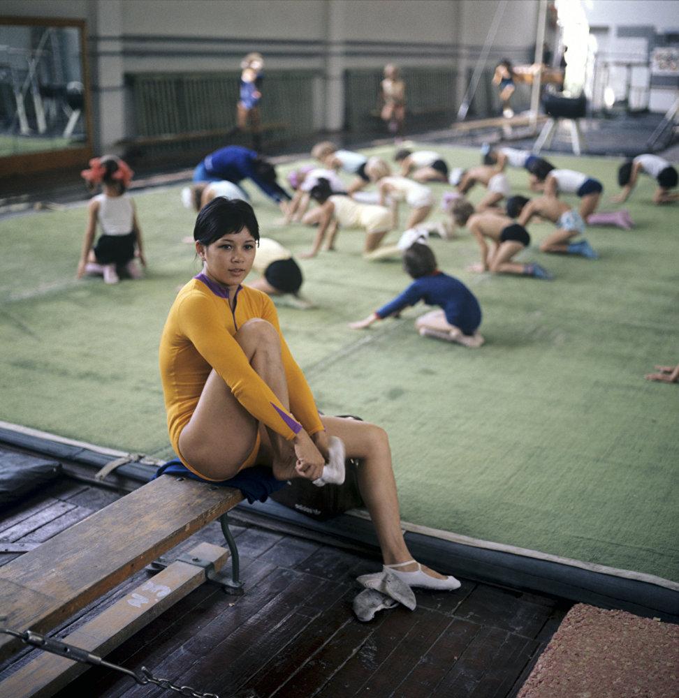 Нелли Ким – кеңес гимнасткасы, бес дүркін Олимпиада чемпионы, бес дүркін әлем чемпионы, екі дүркін Еуропа чемпионы, және көп дүркін КСРО чемпионы. Еңбек сіңірген спорт шебері.