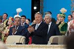 Нурсултан Назарбаев во время сессии Ассамблеи народа Казахстана, архивное фото