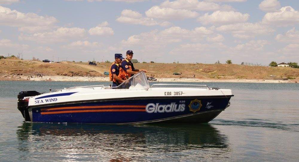 Спасатели, водно-спасательная служба