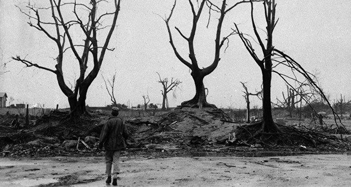 Взрыв атомной бомбы 6 августа 1945 года в Хиросиме, архивное фото