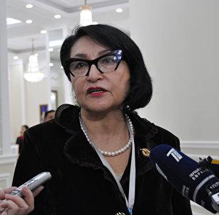 Внучка генерала Панфилова, директор военно-исторического музея 28 панфиловцев в Алматы Алуа Байкадамова