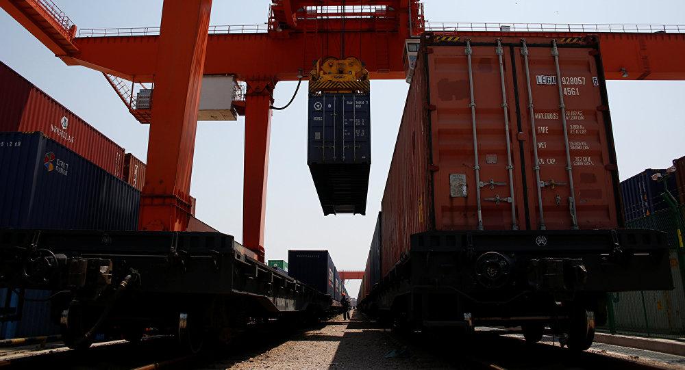 Погрузка грузового контейнера