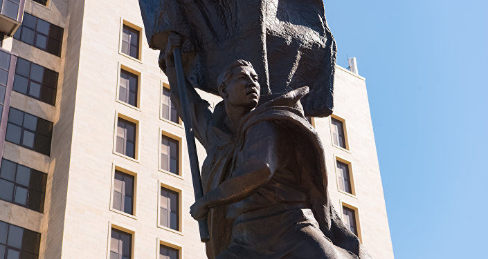 Астанада Рақымжан Қошқарбаевқа орнатылған ескерткіш