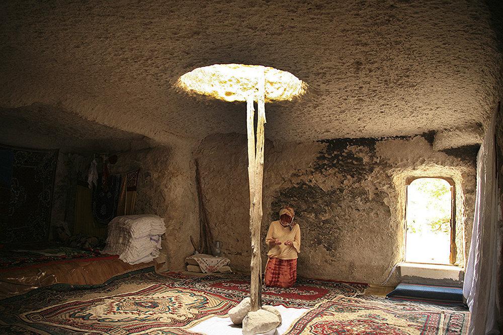 Некрополь и подземная мечеть Шопан-Ата