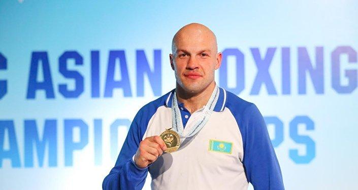 Василий Левит стал трехкратным чемпионом Азии по боксу
