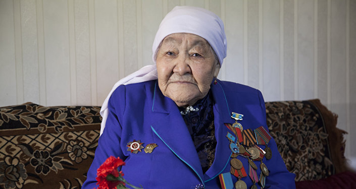 Ветеран Великой Отечественной войны Алтынай Есболатова