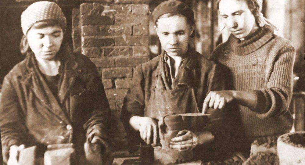 Рабочие-стахановцы в годы ВОВ в Караганде