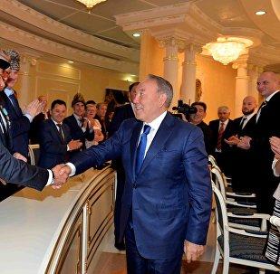 Нурсултан Назарбаев на встрече с представителями общественности Костанайской области